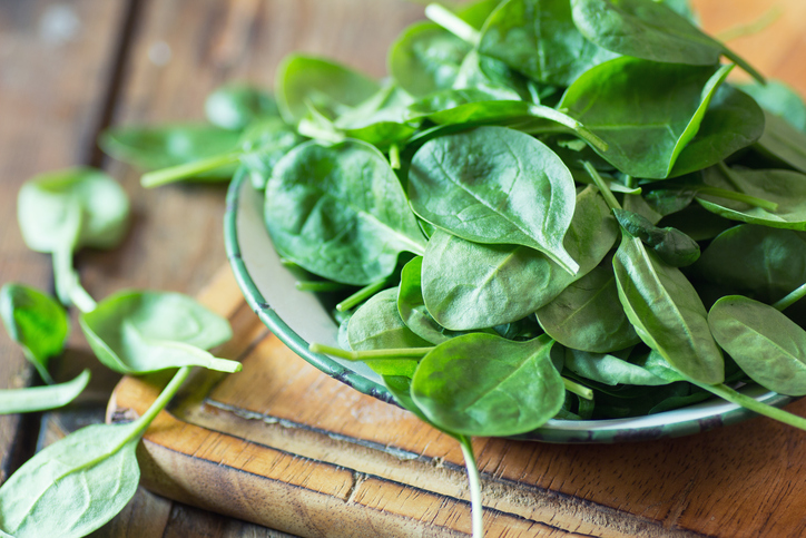 should everyone eat spinach?